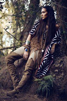Inspiring Ideas for Boho & Hippie Style Jewelry Gypsy Style, Boho Gypsy, Hippie Style, Bohemian Style, Boho Chic, Bohemian Living, Hippie Chic, Tribal Fashion, Boho Fashion