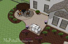 Simple Brick Patio with Circle Paver Kit   Patio Designs and Ideas