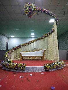 Wedding Backdrop Design, Desi Wedding Decor, Wedding Hall Decorations, Wedding Stage Design, Luxury Wedding Decor, Wedding Reception Backdrop, Wedding Mandap, Marriage Decoration, Decoration Entree