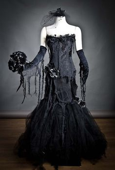 Custom black Vampire zombie mermaid style tulle prom dress Halloween with gloves bouquet and mourning veil S-XL - gothic wedding veil photography Tulle Prom Dress, Dress Up, Prom Dresses, Wedding Dresses, Halloween Dress, Halloween Mermaid, Halloween Costumes, Couple Costumes, Halloween 2019