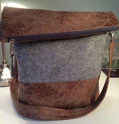 FoldOver Tasche, Schultertasche, Filz von Kleine Wollbude auf DaWanda.com