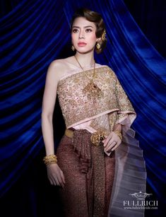 Thai Style, Traditional Outfits, Thailand, Fashion Dresses, Costumes, Formal Dresses, Wedding, Clothes, Beauty