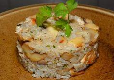 Mâncare de gutui cu orez și piept de pui. Un preparat simplu, de gustul căruia te vei îndrăgosti instant! Arroz Frito, Pasta, Potato Salad, Grains, Rice, Ethnic Recipes, Food, Snap Peas, Recipes With Rice