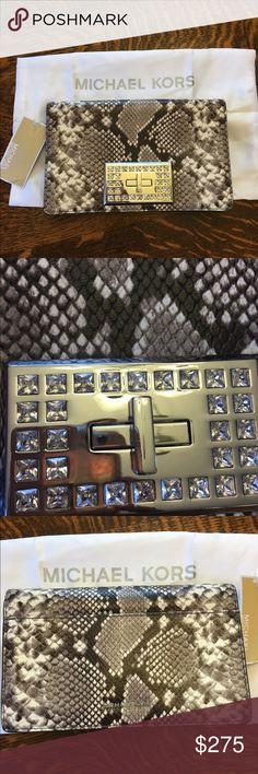 ad50a611c73de SUPER SALE!! Yves Saint Laurent Shell Bag- Firm