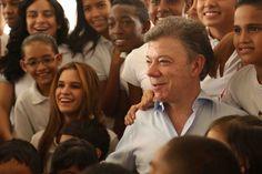 Presidente Juan Manuel Santos y la comunidad.  Crédito Juan David Padilla @Congo Amarillo MinCultura 2013.