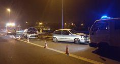 CORES DE CAMBADOS: ACCIDENTE CON FERIDOS NA PONTE DE CASTRELO ESTA MA...