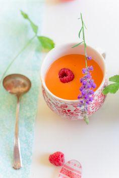Red vine tomatoes and raspberry gazpacho | Au Petit Goût