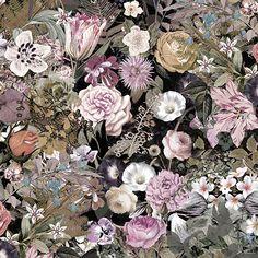 Botaniska tapeter – harmoniserande motiv Botaniska växter, fototapet av blommor och träd, giftiga, vackra, prunkande, kryddväxter eller landskapsblommor, närbild, foto eller målade. Låt dina väggar blomma! En botanisk tapet är ett lyft för ditt hem. Placera en färgsprakande, storblommig tapet direkt bredvid husdörren i hallen så välkomnar den dig varje gång du kommer hem. En skirt tecknad bladtapet i sovrummet ger lugn och harmoni, och en blommig tapet i gammaldags rosmönster på mörk b...