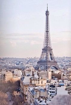 Thinking about taking a day trip from London to Paris? Thanks to the Eurostar, this trip could not be easier! Here's how to plan your day trip to Paris. Oh The Places You'll Go, Places To Travel, Places To Visit, Travel Destinations, Europe Places, Romantic Destinations, Romantic Places, Dream Vacations, Vacation Spots