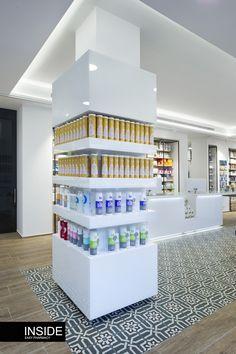 Boutique Interior, Showroom Interior Design, Retail Interior, Supermarket Design, Retail Store Design, Mobile Shop Design, Retail Shelving, Store Layout, Column Design