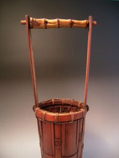 JAPANESE EARLY 20TH CENTURY BAMBOO FLOWER BASKET - Oriental Treasure Box