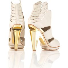 Wing High Sandals by Unique** (755 BRL) ❤ liked on Polyvore featuring shoes, sandals, gold, heels, white, women, white heel shoes, wing shoes, white leather shoes and white sandals