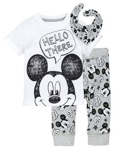 Discover a range of clothes for baby boys and toddlers at H&M, with practical options in fun prints and colours. Shop online for little boy outfits now. Kids Fashion Boy, Toddler Fashion, Toddler Outfits, Baby Boy Outfits, Disney Baby Clothes, Trendy Baby Clothes, Disney Outfits, Boys Clothes Online, Baby Couture
