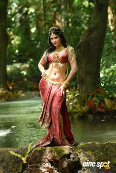Shruti Haasan in Puli (2)