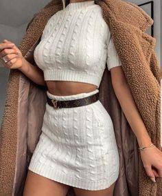 winter outfits hipster All-White Outfits for W - winteroutfits All White Outfit, White Outfits, Classy Outfits, Trendy Outfits, Vintage Outfits, Beautiful Outfits, Celebrity Casual Outfits, Celebrity Style, Winter Fashion Outfits