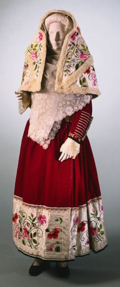 Gala Ensemble for a Woman from Osilo, Sardinia, Italy Early 20th Century Philadelphia Museum of Art