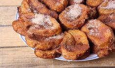 Fact In Spain, 'torrija' is traditionally enjoyed during Semana Santa. Sweets Recipes, Gourmet Recipes, Spanish Food, Tostadas, Desert Recipes, Pretzel Bites, French Toast, Deserts, Food And Drink