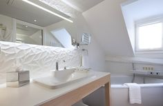 Projects PORCELANOSA Grupo: hotel Chavanel, París #Porcelanosa #arquitectura #diseño #hotel #innovación #Krion #interiorismo