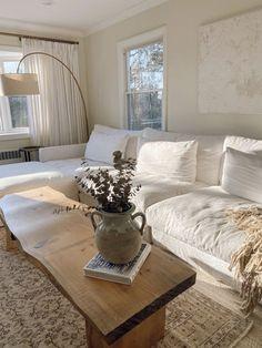 Living Room Sets, Home Living Room, Apartment Living, White Apartment, Living Spaces, Simple Living Room Decor, Cozy Apartment, Living Room Lighting, Interior Design Living Room
