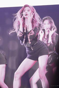 Kpop Girl Groups, Kpop Girls, Yoon Sun Young, Strong Girls, Kim Min, Her Smile, Beautiful Asian Girls, Pop Music, Celebrities