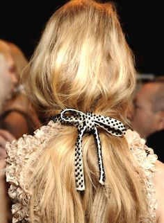 I wish I could get my hair to do this! Her hair looks great! oh my, that hair Hair Holiday Hairstyles, Party Hairstyles, Cool Hairstyles, Hairstyle Ideas, Hair Inspo, Hair Inspiration, Bridesmaid Inspiration, Loose Ponytail, Messy Ponytail