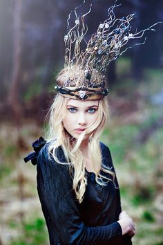 This beautiful photograph of a woman wearing a twig crown was taken by Nicklas Eriksson at a photo workshop held by fashion photographer Emily Soto.
