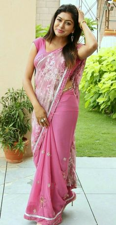 Sai Akshatha looking hot in Saree with pink sleeveless Blouse Beautiful Girl Indian, Beautiful Saree, Beautiful Indian Actress, Beautiful Women, Beauty Full Girl, Beauty Women, Saree Models, Dress Models, South Indian Actress Hot