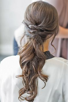 pony tail wedding hairstyles via kelsey combe photography - Deer Pearl Flowers / http://www.deerpearlflowers.com/wedding-hairstyle-inspiration/pony-tail-wedding-hairstyles-via-kelsey-combe-photography/
