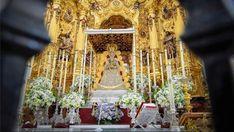 #virgendelrocio #souvenirs #elrocio #regalos #rocieros #pulseras #colgantes #llaveros #imanes #abanicos #almonte #huelva #españa Almonte, Chandelier, Ceiling Lights, Decor, Magnets, Hand Fans, Key Fobs, Pendants, Presents