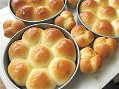 Thanksgiving - Golden Pull-Apart Butter Buns– At last! The quintessential soft, buttery dinner roll from