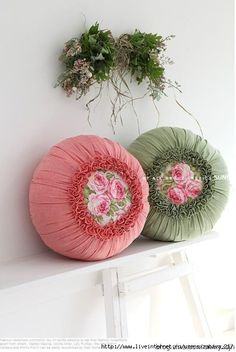 Cushion tutorial, in pictures, easy. Sewing Pillows, Diy Pillows, Decorative Pillows, Throw Pillows, Whiten Pillows, Diy Pillow Covers, Cushion Covers, Wood Block Crafts, Cushion Tutorial