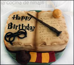 harry potter cake....yes I would LOVE one for my next birthday.....just sayin!!!