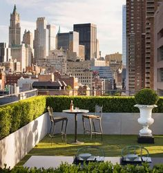 Rooftop Garden Ideas - Whether you have a rooftop garden already or you are planning to have one, these 15 plus rooftop garden design ideas and tips will help you in having the most beautiful roof terrace garden. Outdoor Spaces, Outdoor Living, Outdoor Decor, Outdoor Rugs, Urban Garden Design, Garden Modern, Rooftop Design, Balcony Design, Rooftop Patio