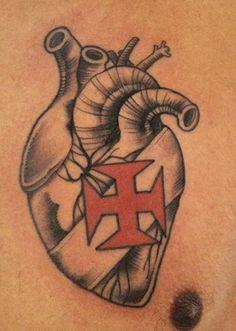 Tattoo coração vascaíno.