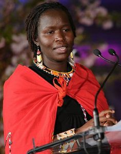 Meet the extraordinary woman of Maasai community, Kakenya Ntaiya. She became the first woman in her community to complete a college degree. She gave back to her Maasai Community by establishing The Kakenya Center for Excellence. American Pride, American History, Black Fist, Extraordinary People, People Change, African Diaspora, Iconic Women, Women In History, Role Models