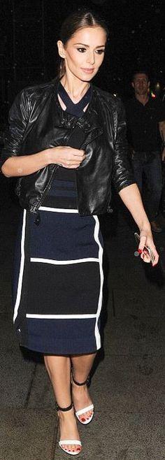 Cheryl Cole: Shirt and skirt = Jonathan Simkhai Shoes – Givenchy Cheryl Cole Style, Cheryl Fernandez Versini, Fashion Dictionary, Jonathan Simkhai, White Sandals, Latest Pics, Black Print, Leather Skirt, Skinny Jeans