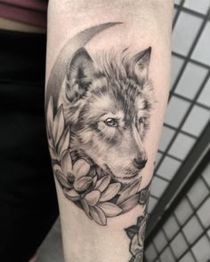 50 Of The Most Beautiful Wolf Tattoo Designs The Internet Has Ever Seen - - Coyote Tattoo, Wolf And Moon Tattoo, Howling Wolf Tattoo, Tattoo Wolf, Wolf Tattoos For Women, Tattoos For Women Half Sleeve, Tattoo Designs For Women, Anbu Tattoo, Tattoo Ideas