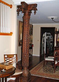 wooden pillar Indian Home Design, Indian Home Decor, Kitchen Tiles Design, Interior Design Kitchen, Dream Home Design, House Design, Door Design, Bungalow Haus Design, Pillar Design