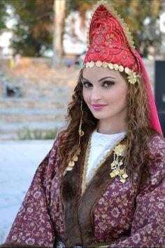 Folk Costume, Costumes, Greek Culture, Beauty Around The World, Folk Dance, Greek Mythology, Traditional Outfits, Choices, Beautiful People