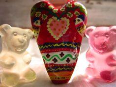 Gummy portrait with folk art heart #inlove #gummybear #folkart #naiveheart