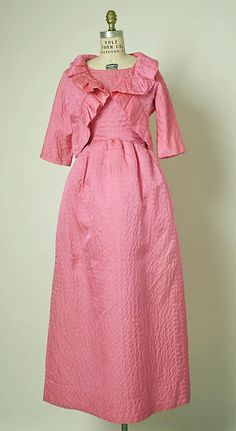 Ensemble, Evening.  House of Balenciaga  (French, founded 1937).  Designer: Cristobal Balenciaga (Spanish, 1895–1972). Date: 1961. Culture: French. Medium: silk. Dimensions: Length at CB (a): 47 in. (119.4 cm). Length at CB (b): 12 1/2 in. (31.8 cm).