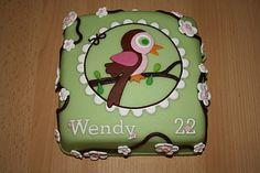 Groene taart met vogel