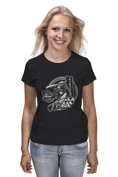 Чернобыль - Зона отчуждения, футболка с изображением девушки-сталкера на фоне завода, (чёрно-белое изображение) для тех, кто любит экстрим.