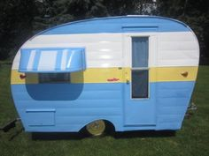 Vintage 1963 Trotwood Canned Ham Travel Trailer in Bright Blue Tiny Trailers, Vintage Campers Trailers, Retro Campers, Vintage Caravans, Camper Trailers, Scamp Trailer, Classic Trailers, Little Trailer, Little Campers