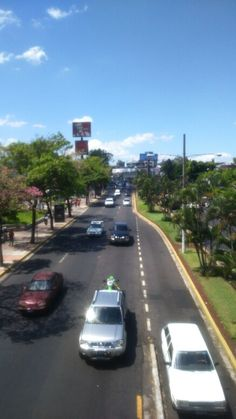 Blvd Los Héroes. San Salvador