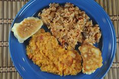 Travel by Stove: Recipes from Djibouti Isku Dhex Karis (Meat Pilaf) ; Beef Recipes, Vegetarian Recipes, Easy Recipes, International Recipes, Soul Food, Meal Planning, Easy Meals, Food And Drink, Dishes