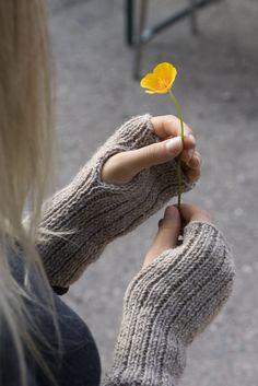 Neulekämmekkäät   Martat Martini, Fingerless Gloves, Arm Warmers, Knitting Ideas, Crochet, Diy, Handmade, Fingerless Mitts, Hand Made