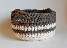 crochet-basket.. Free pattern!!
