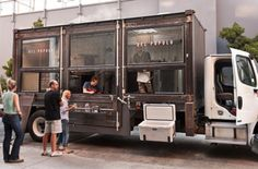 amazing food truck--so fun! sometimes i still think house blend needs a food truck/mobile coffee bar! Architecture Restaurant, Restaurant Design, Restaurant Bar, Container Restaurant, Container Bar, Container Homes, Food Trucks, Mobile Restaurant, Mobile Cafe