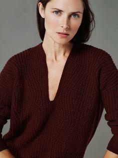 burgundy deep v knit sweater #style #fashion #fall #winter